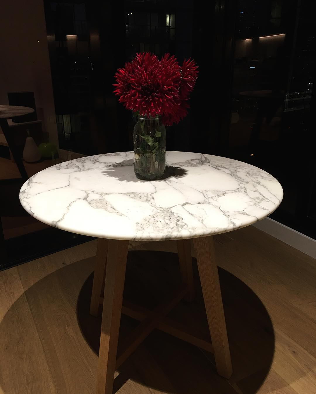 round-dining-tables-1