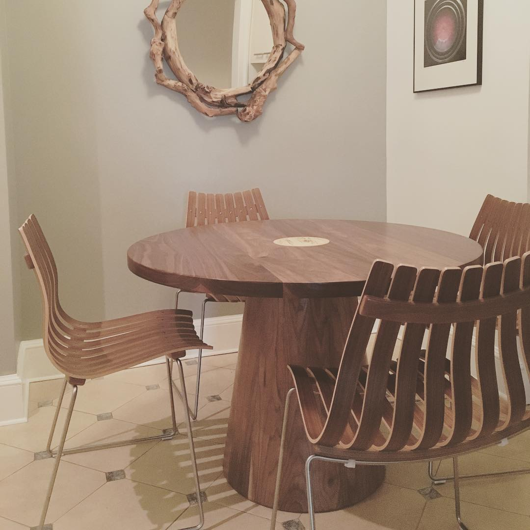 round-dining-tables-10