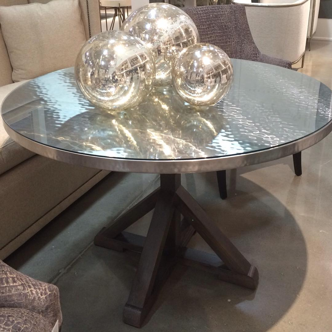 round-dining-tables-5