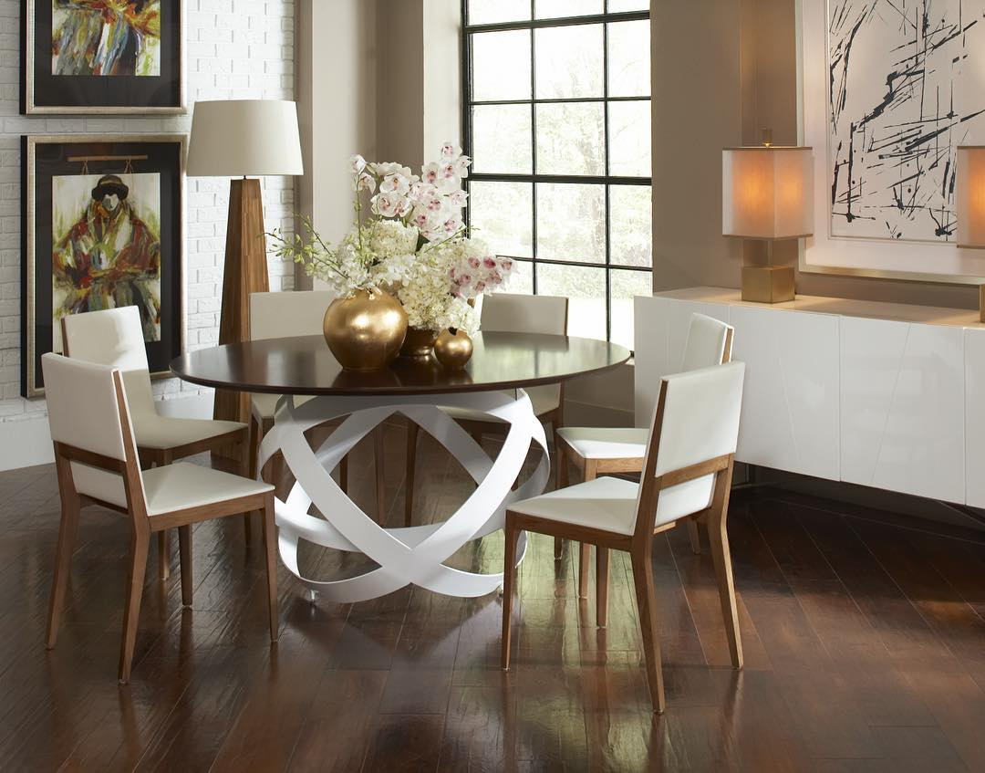 Elegant Round Table For Dining Area