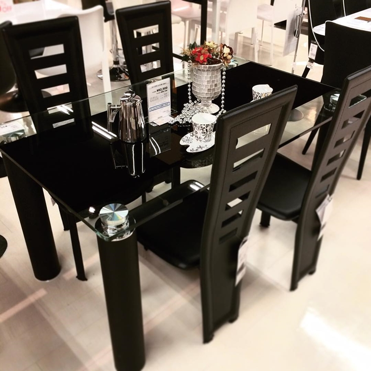modern-glass-dining-table-in-black