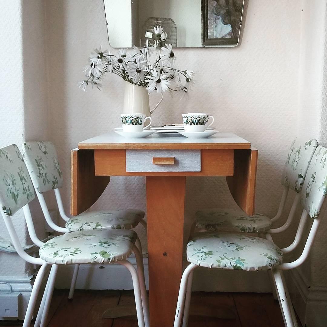 drop-leaf-pub-table-sets