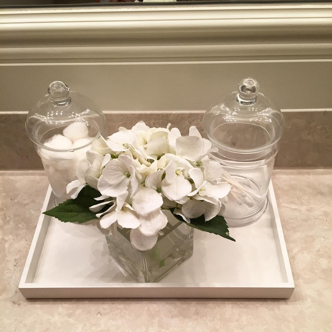 clean-looking-glass-canisters-for-the-kitchen