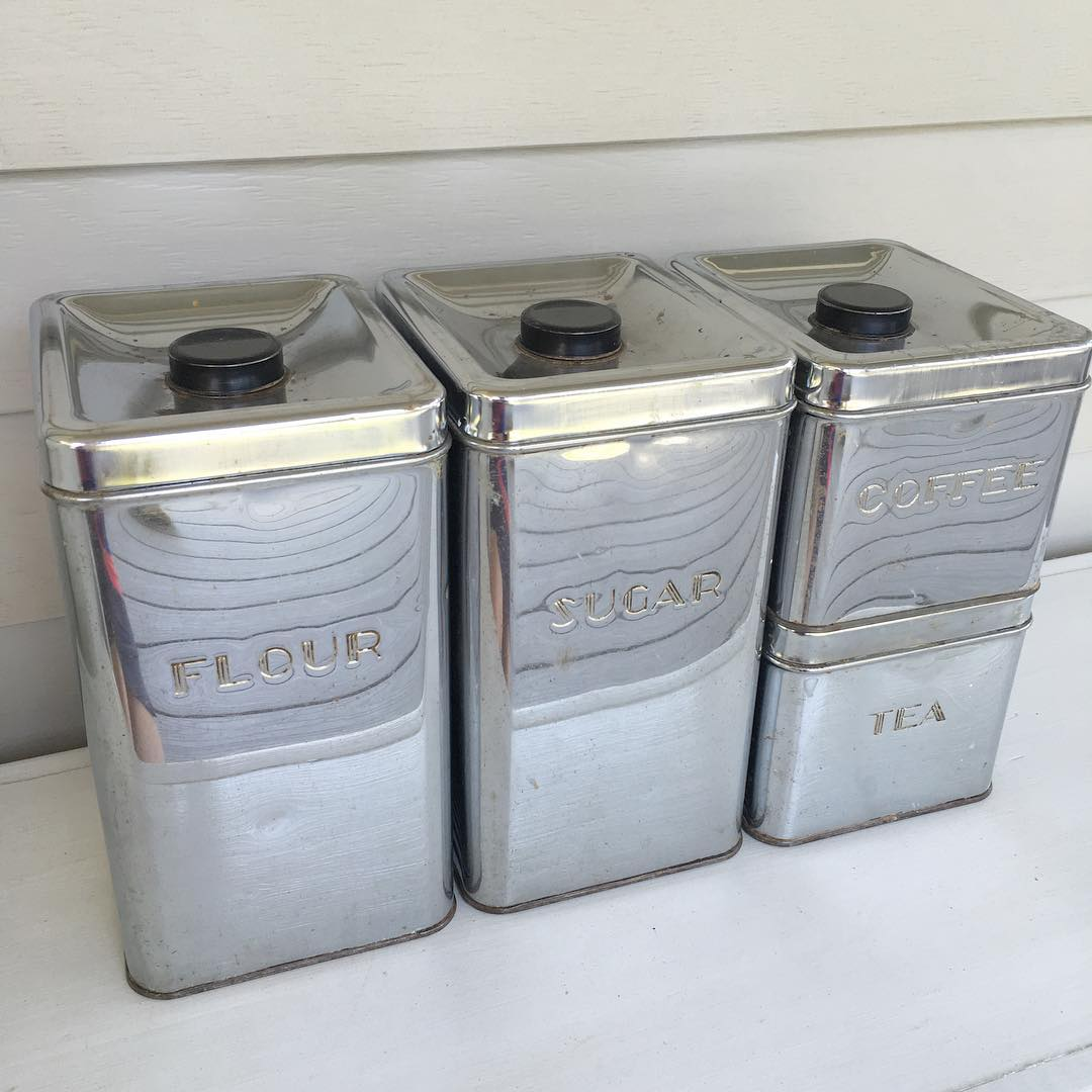 metal-canisters-for-the-kitchen
