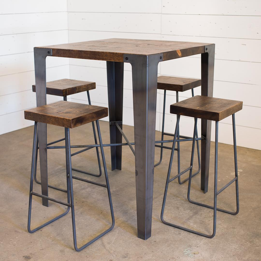 pub-table-12