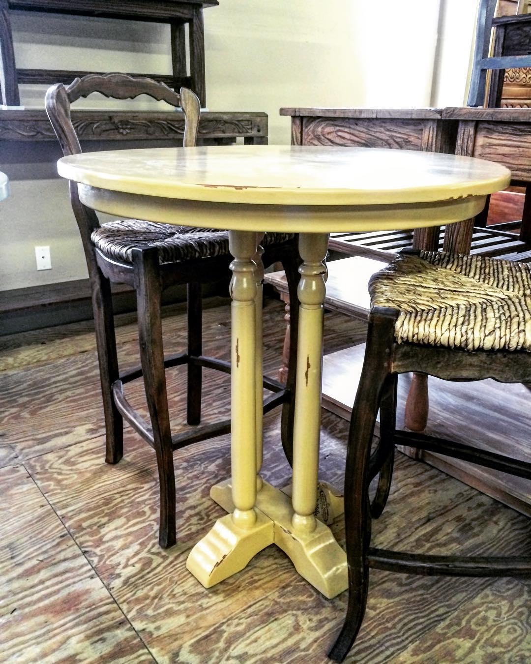 pub-table-3