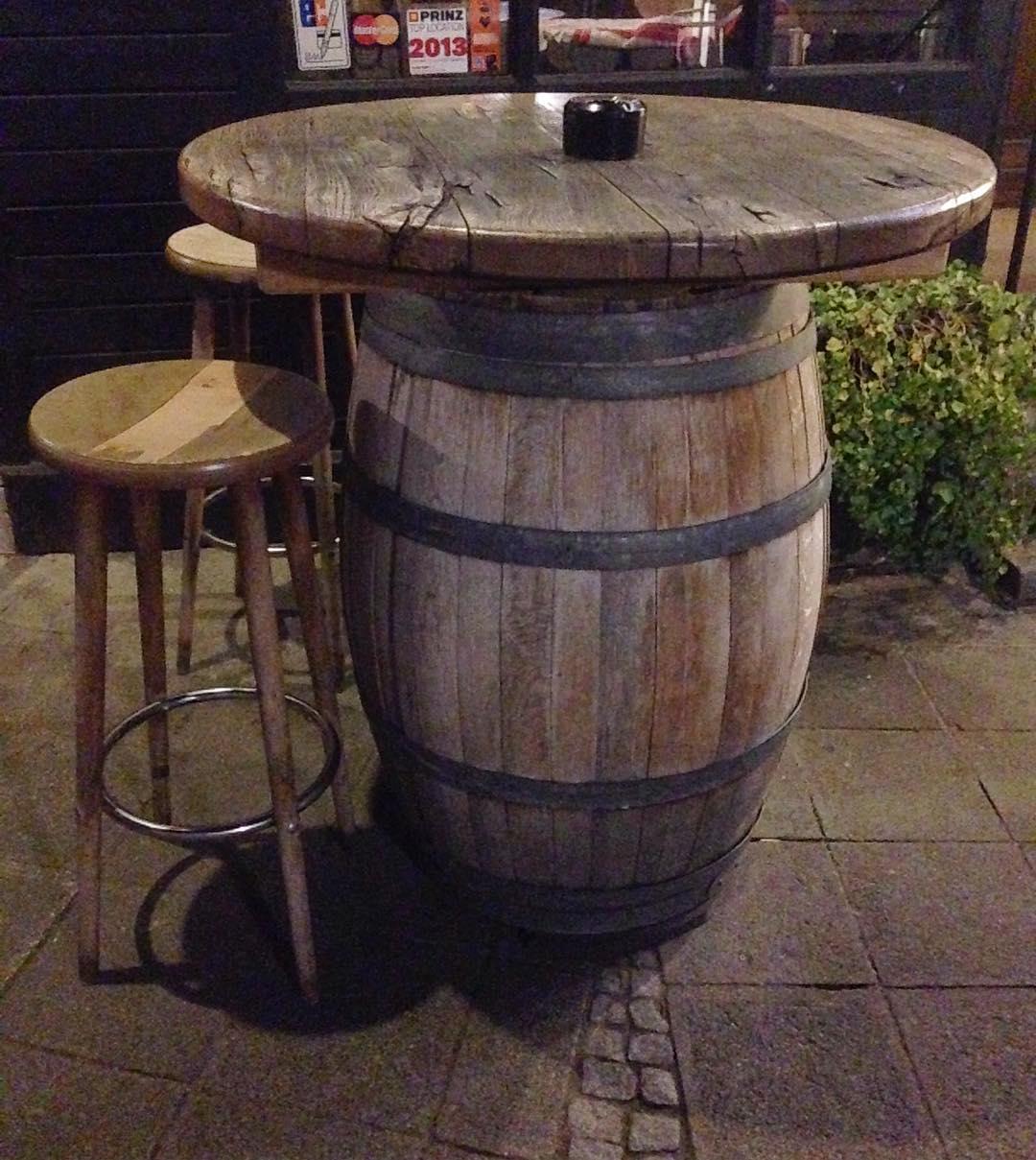 pub-table-4