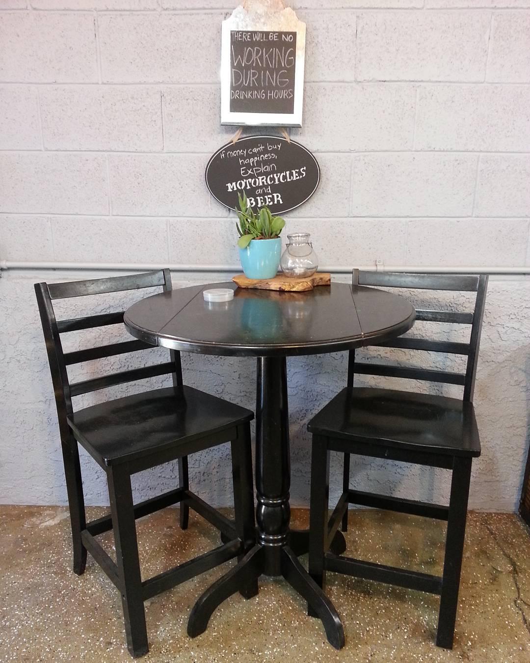 pub-table-8